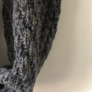 Accessories - EUC | Knit Gray Circle Scarf